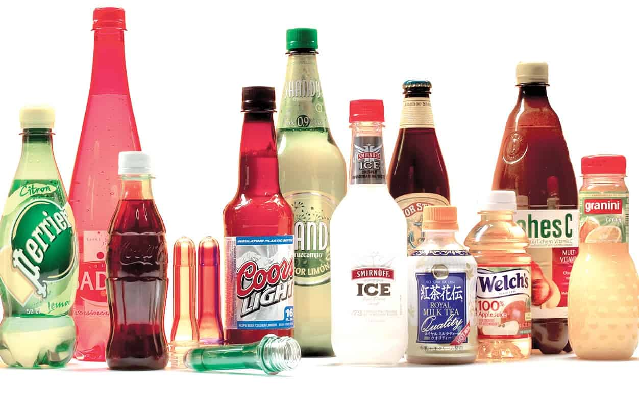 Co-injection molding PET preforms for beverages