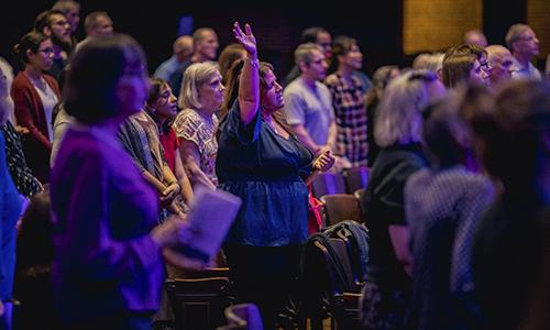Sunday Night Service. Contemporary Worship. Lincoln Park