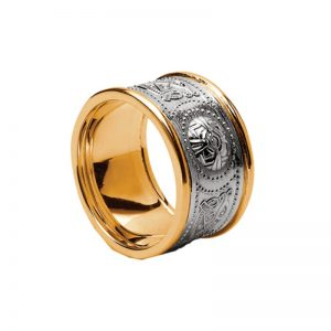 14k Two Tone Gents Warrior Shield Wedding Band