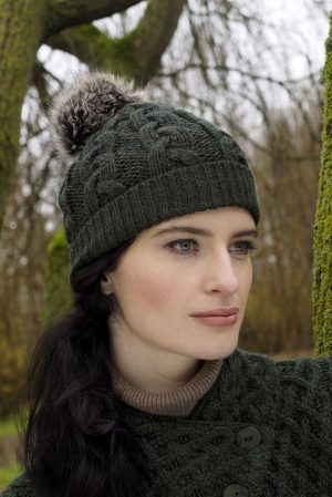 Aran Cable Knit Green Pom Pom Hat x4844