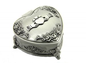 Mullingar Pewter Claddagh Heart Shaped Jewellery Box