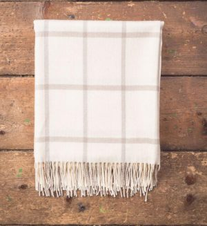 Foxford White & Bone Throw Blanket