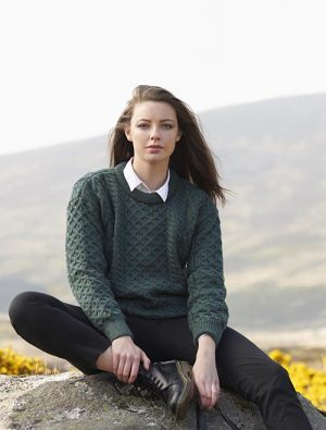 Unisex Green Irish Wool Sweater c1347