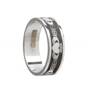Boru Gents Wide Claddagh Ring