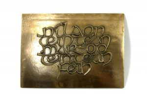 "Wild Goose Bronze Plaque ""Nil Aon Teintean-Mar Do Thintean Fein"""