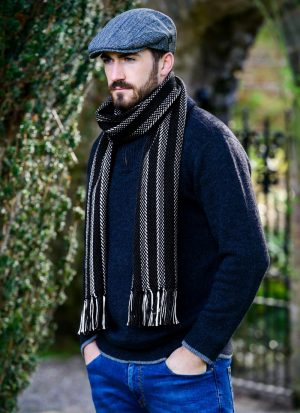 Mucros Merino Wool Dingle Scarf Black Stripe