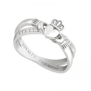 Solvar Silver Claddagh Kiss Ring s21063