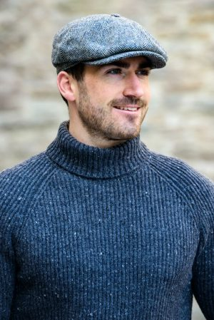Mucros Grey Driving Cap