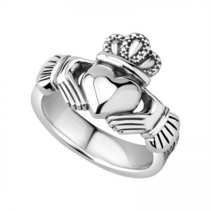 Solvar Silver Gents Celtic Claddagh Ring S21070