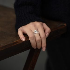 Solvar Ladies Heavy Claddagh Ring S2271