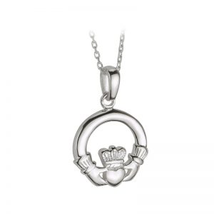 Solvar Sterling Silver Small Heavy Claddagh Pendant S4682