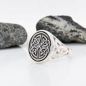 Solvar Silver Gents Oxidised Celtic Knot Signet Ring