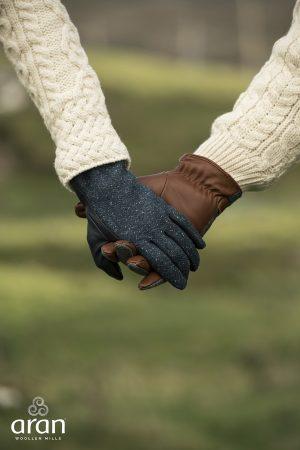 Aran Woollen Mills Leather Gloves R769