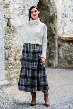 Mucros Gray Black Check Skirt