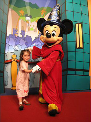 Robin's niece (age 5) with Mickey