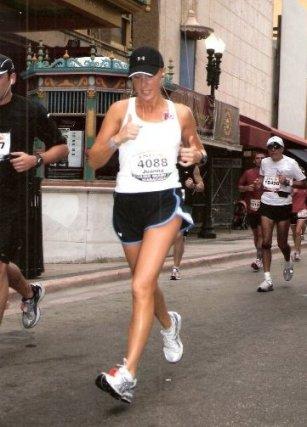 Joanna Citarella running the ING Miami Marathon