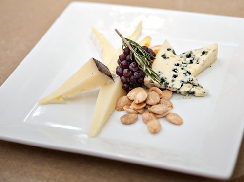 flights cheese plate & Food on the fly: 10 awesome airport restaurants | Orbitz