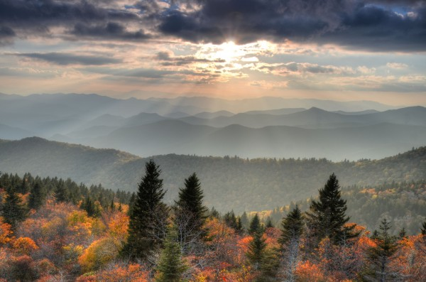 Blue Ridge Parkway. Credit Mary Anne Baker at Flickr Creative Commons.