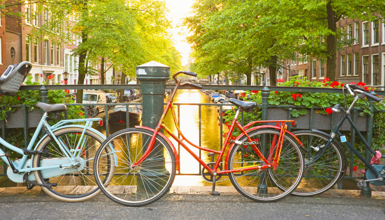 tips for biking in Amsterdam Netherlands