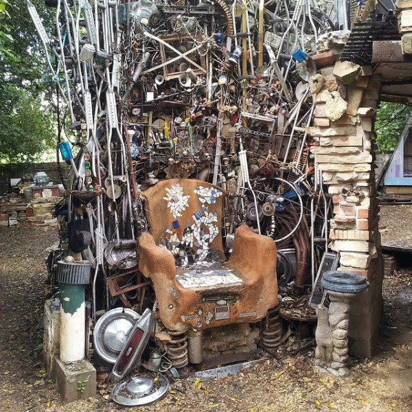 Throne of Junk at the Cathedral of Junk | Photo: Aleksandr Zykov - Flickr Creative Commons