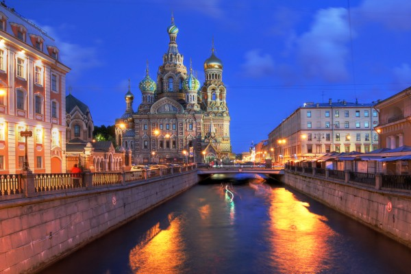 canal towns-st petersburg russia