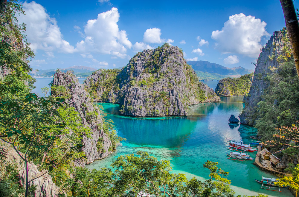Phillipines-17-pictures-that-will-make-you-wish-you-were-Filipino-Getting-Stamped