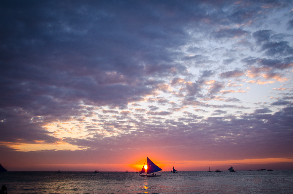 Sunset-Boracay-Phillipines-17-pictures-that-will-make-you-wish-you-were-Filipino