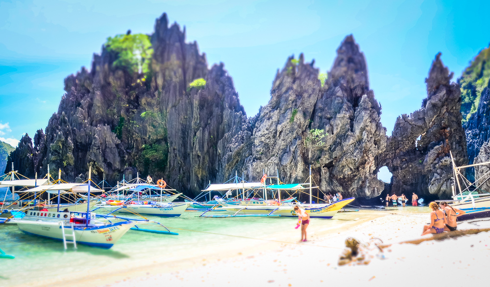 Orbitz-Phillipines-17-pictures-that-will-make-you-wish-you-were-Filipino-Getting-Stamped-3