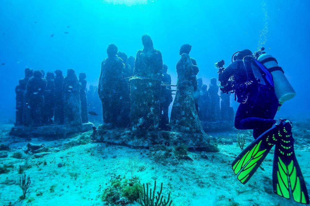Orbitz - things to do - Diving MUSA - underwater museum