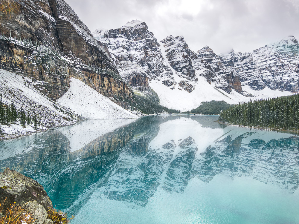 Orbitz-Canada-Photos that will make you wish you were Canadian-Lake Moraine-GettingStamped-2