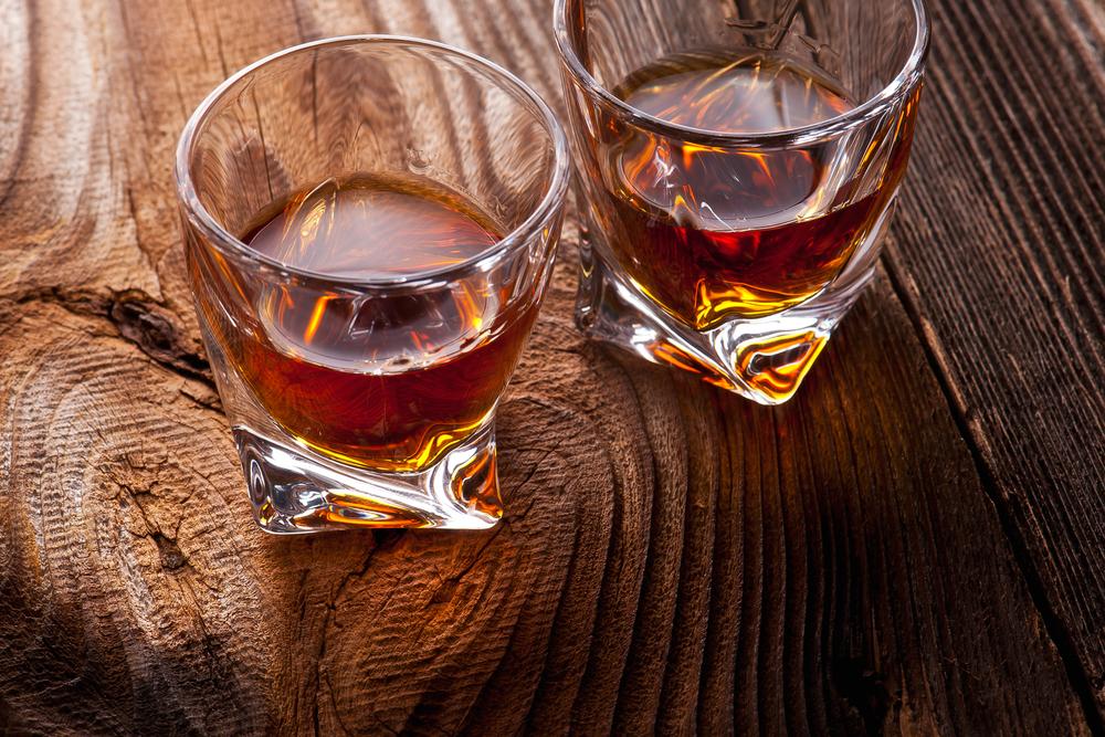 glasses-of-bourbon