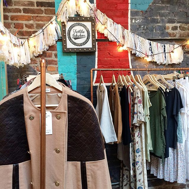 Shopping in Williamsburg, Brooklyn | Photo courtesy of @textilejukebox