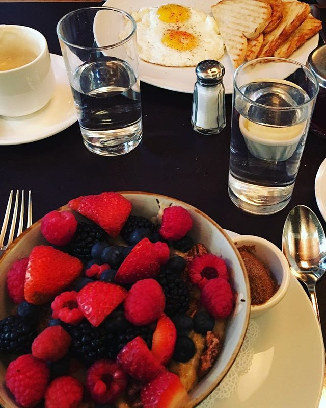 Take a break from shopping and snack at Cafe Cluny | Photo courtesy of @katyees7
