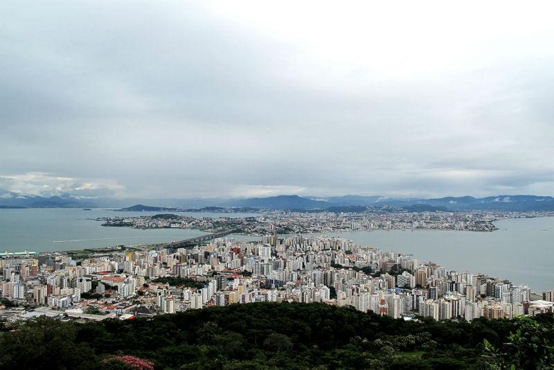 Florianópolis, Brazil | Flickr photo by Francisco Anzola