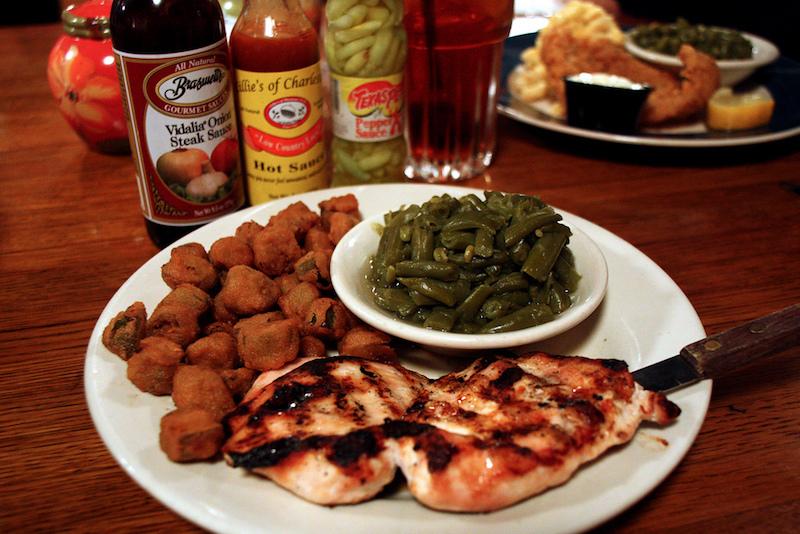 Jestine's Kitchen Dinner | Flickr CC: Mr. Tin DC
