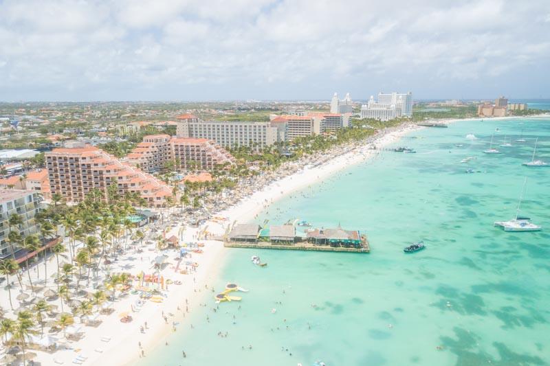 Aruba beach - Honeymoon & winter escapes - GettingStamped.com