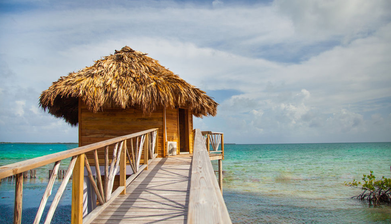 8ec9569abb95b2 6 incredible new overwater bungalows in the Caribbean