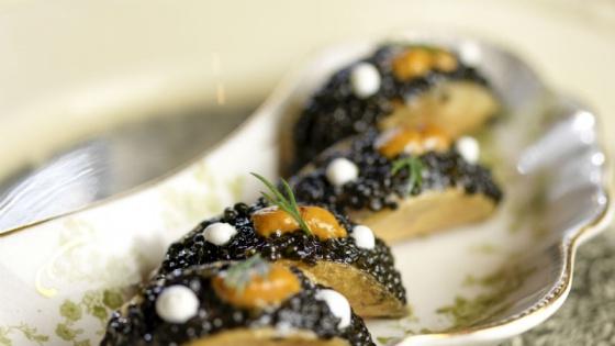 Caviar taco | Photo courtesy of the Cosmopolitan Las Vegas