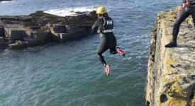 Coasteering-Ireland_cliff-jump