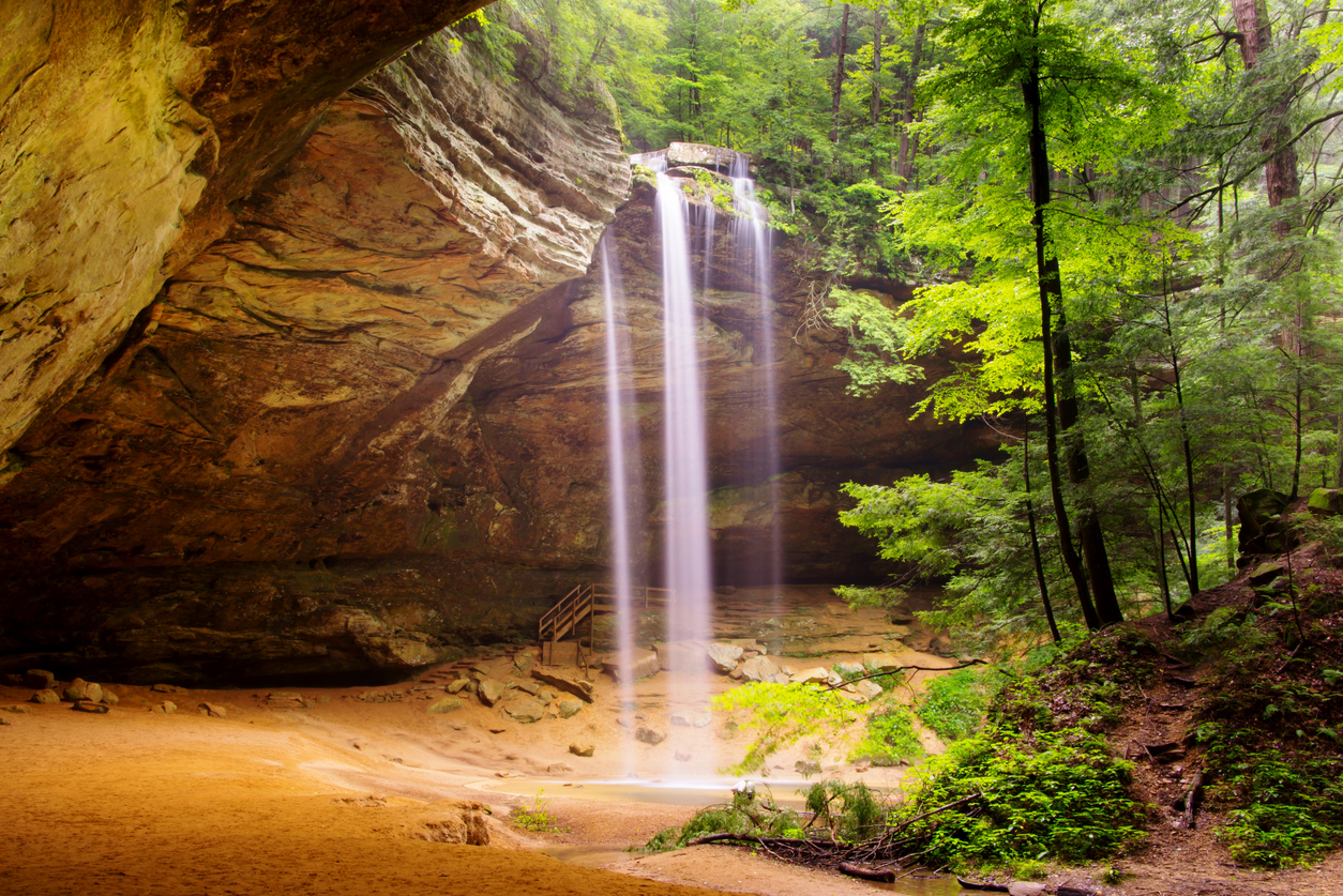 Ash Cave Waterfalls in Hocking Hills State Park in Ohio