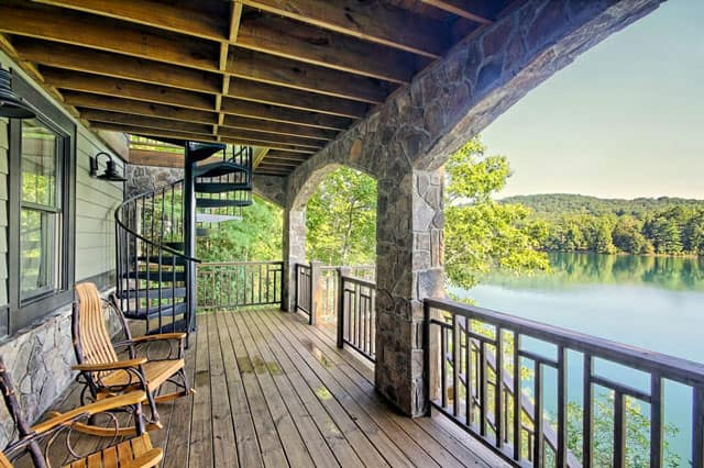 multi level deck with aluminum spiral stair
