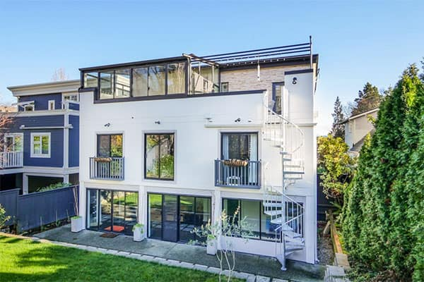 multistory seattle deck with spiral stair