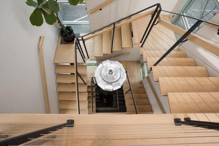mono stringer floating stair system