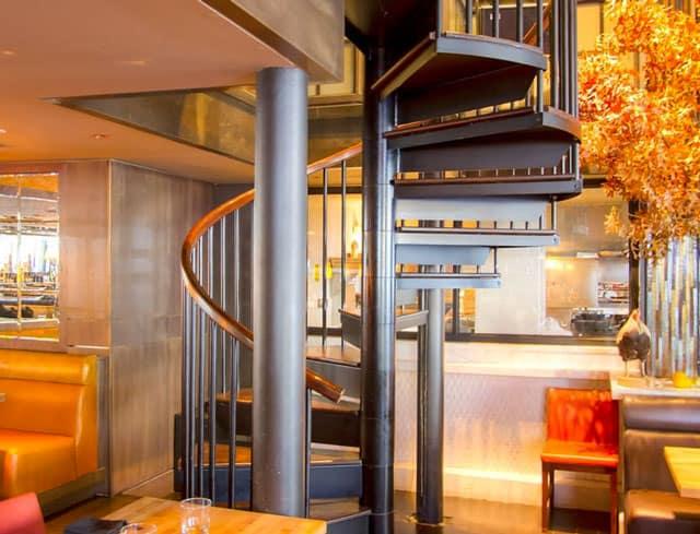 new york restaurant spiral staircase