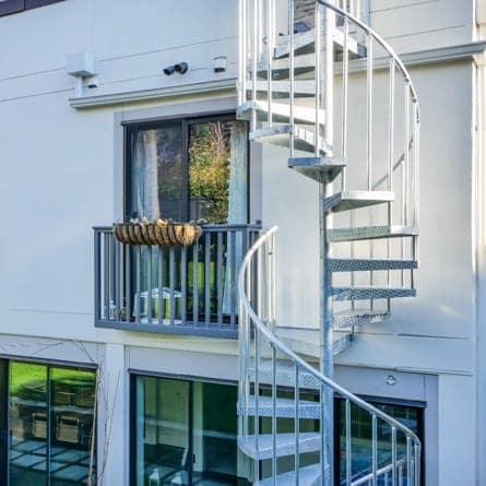 minimalist-spiral-staircase