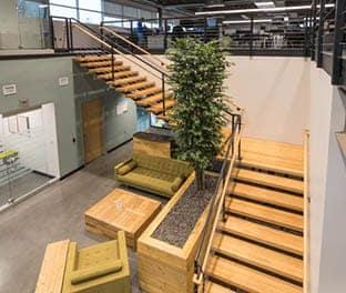 custom-the-executive-straight-stair