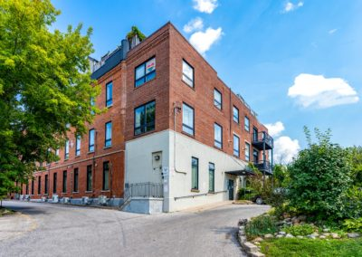 121 Prescott Ave #11 - Toronto - Modern Movement Creative - Mitchell Hubble - Real Estate Photography -021 - August 24, 2020