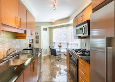 300 Bloor #1008 - Toronto - Modern Movement Creative - Mitchell Hubble - Real Estate Photography -009 - August 26, 2020