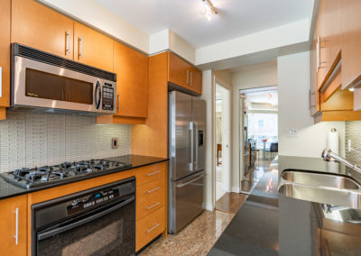 300 Bloor #1008 - Toronto - Modern Movement Creative - Mitchell Hubble - Real Estate Photography -011 - August 26, 2020
