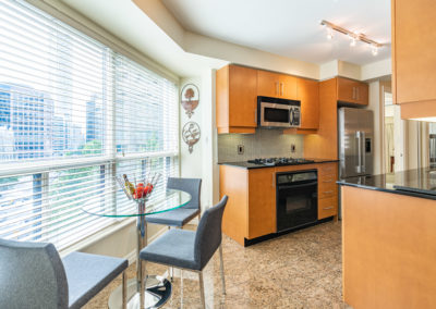 300 Bloor #1008 - Toronto - Modern Movement Creative - Mitchell Hubble - Real Estate Photography -017 - August 26, 2020
